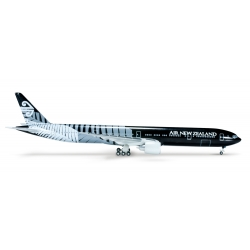 Air New Zealand Boeing 777-319ER ~ 1/500 - New Black Livery - Herpa