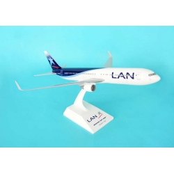 Lan Airlines Boeing 767-316ERWL ~ 1/150 With Gears - Skymarks